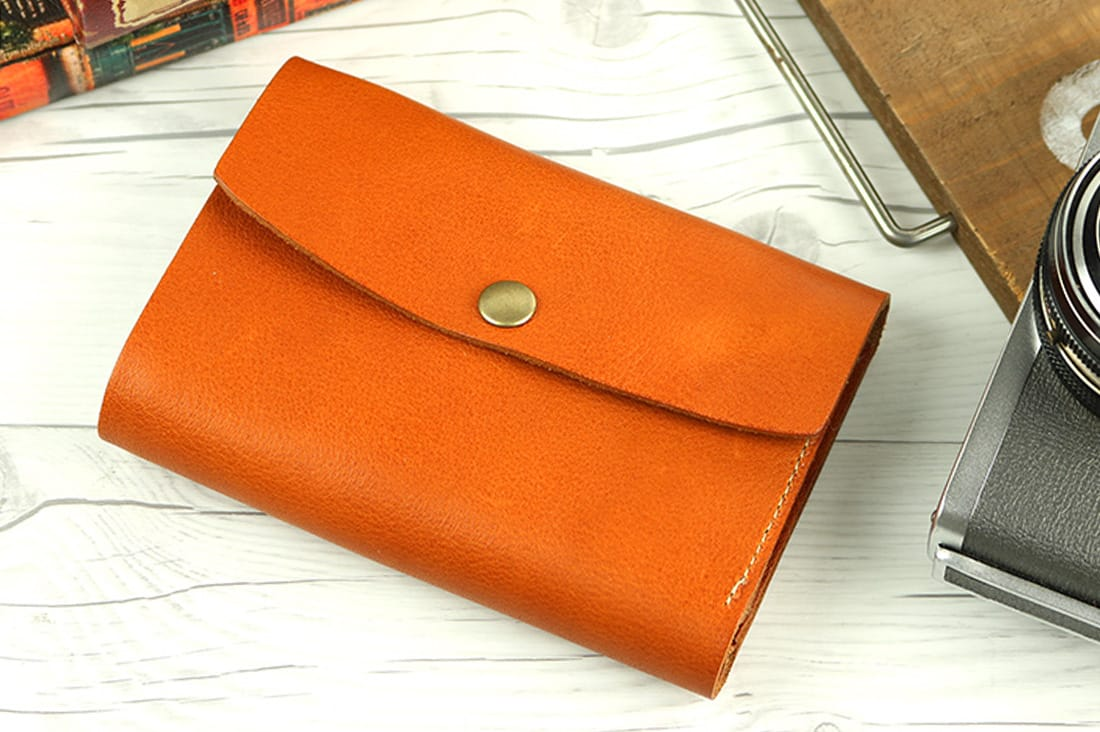 栃木レザーの三つ折り財布