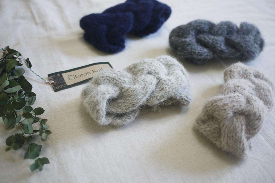 citron-knitさんのケーブルヘアバンド