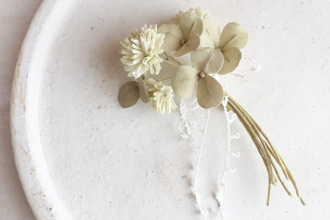 pommeflanさんの白詰草のコサージュ