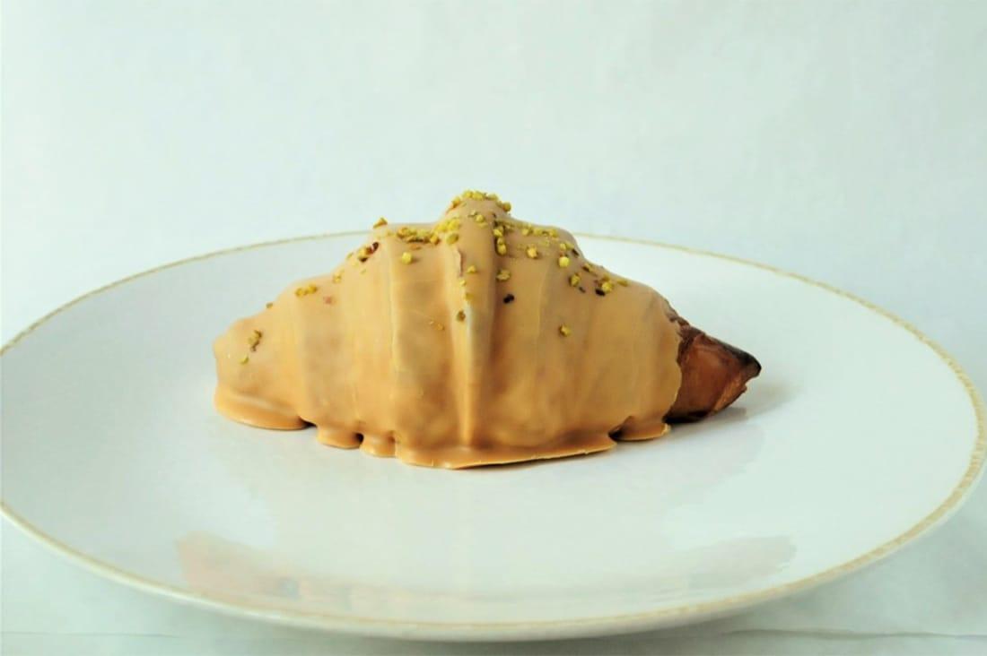 パン屋トロワさんのピーナッツチョコのクロワッサン