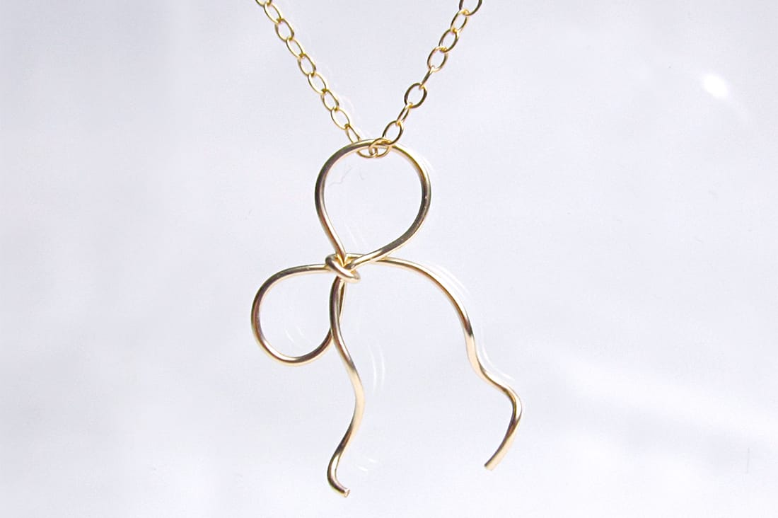 Trine Jewelryさんのリボンネックレス