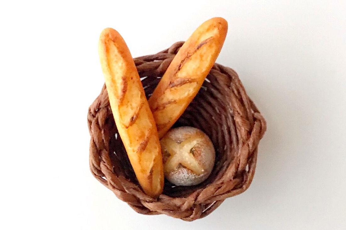 mocaの部屋さんのパン屋さんのブローチ