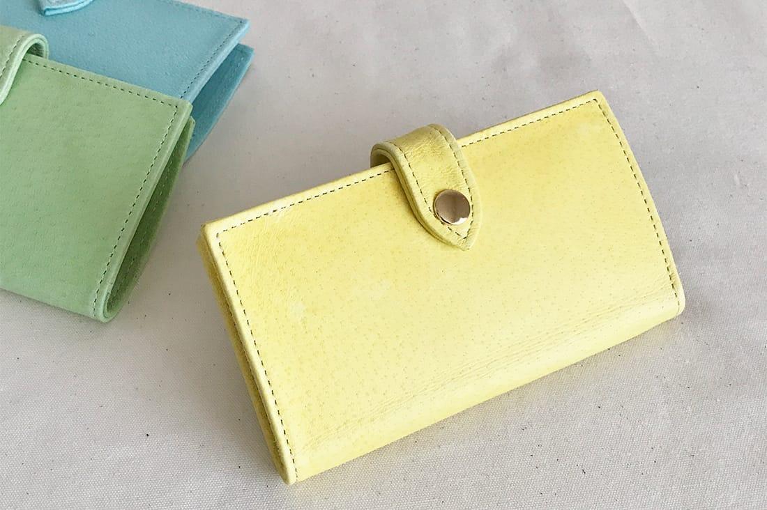 m.mayukoさんの淡い黄色のスマホケース