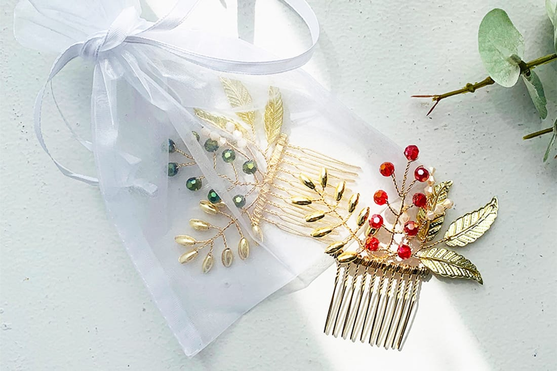 Atelier mintさんの金色の髪飾り