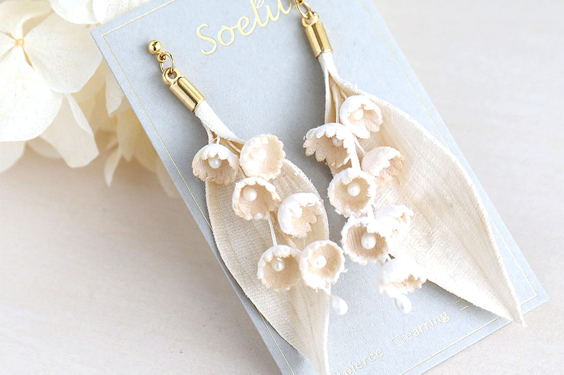 Soelu.さんの布花の耳飾り