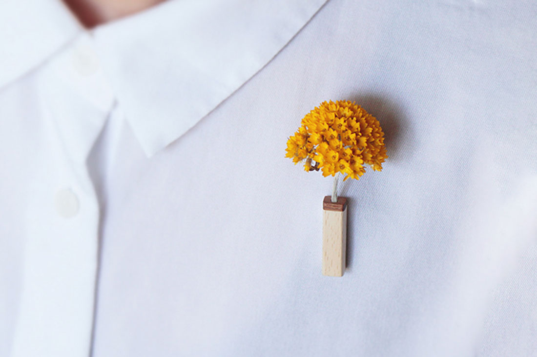 re:koto【リコト】さんの木のブローチ