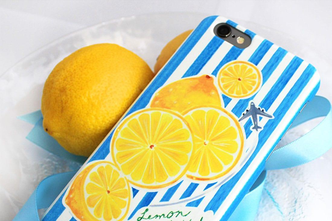 KUMARIAIRさんのレモンとストライプのスマホケース