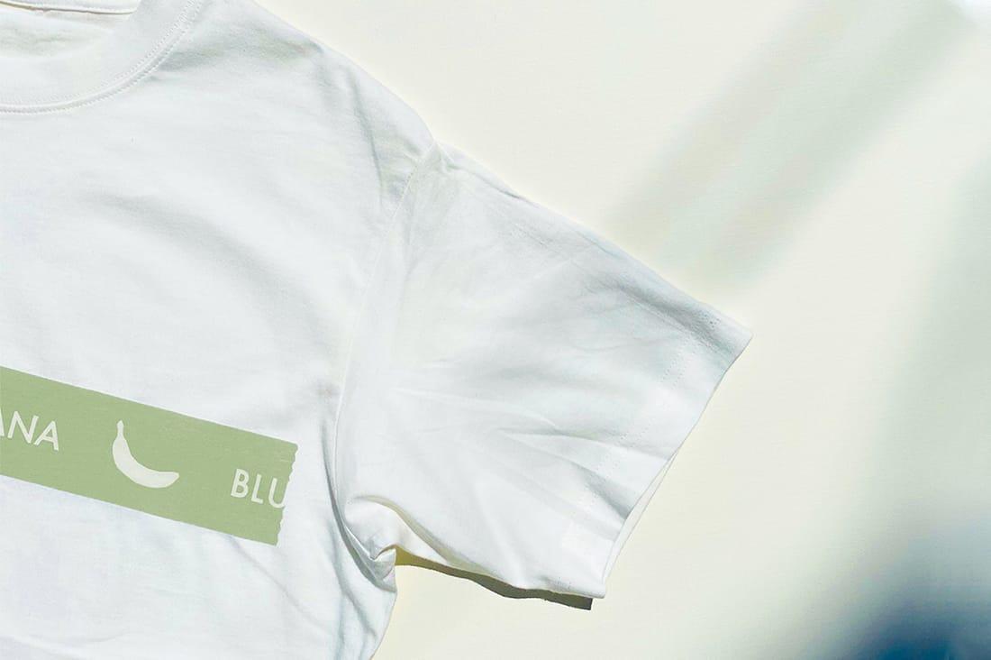 ブルーバナナスタンドさんのパッキングテープTシャツ