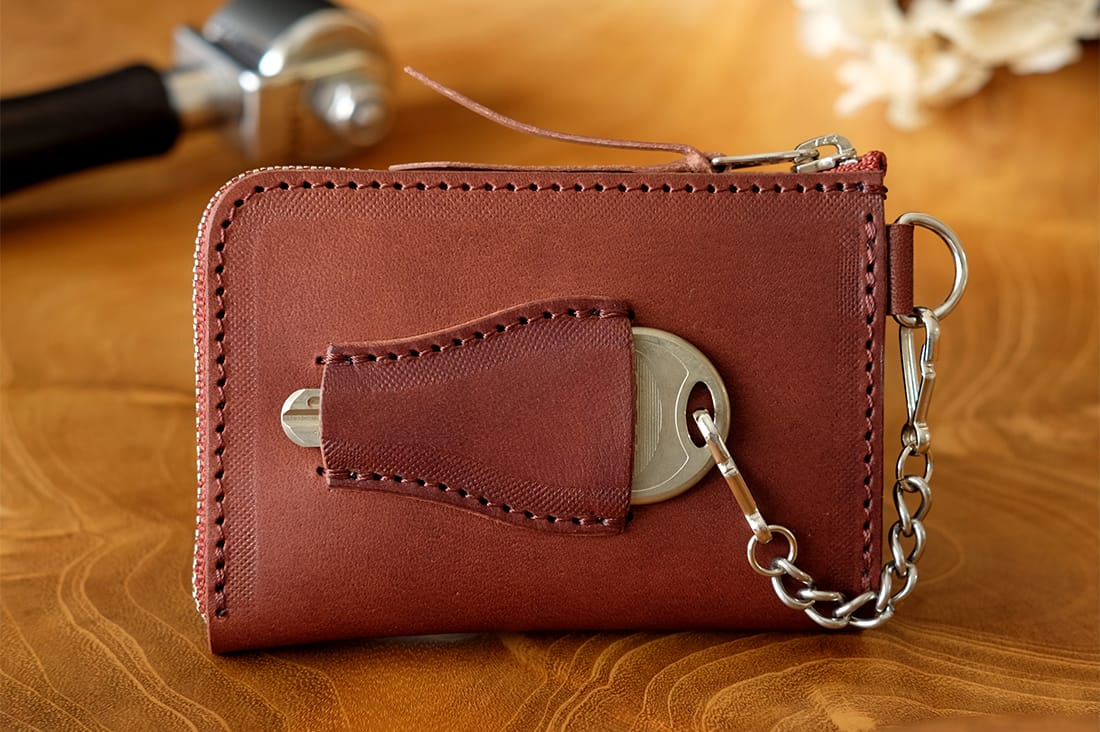 CLASSIC PRANKSさんの革財布