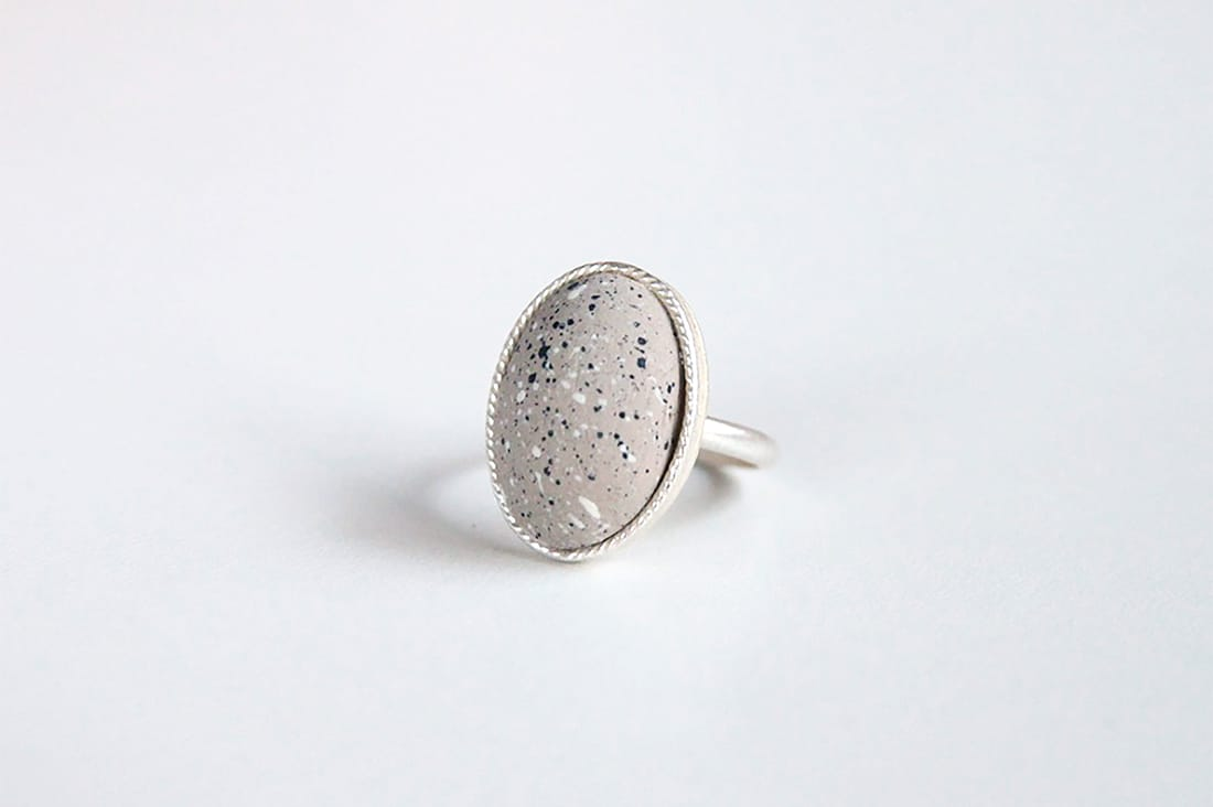KAMIZAさんの石ころ指輪