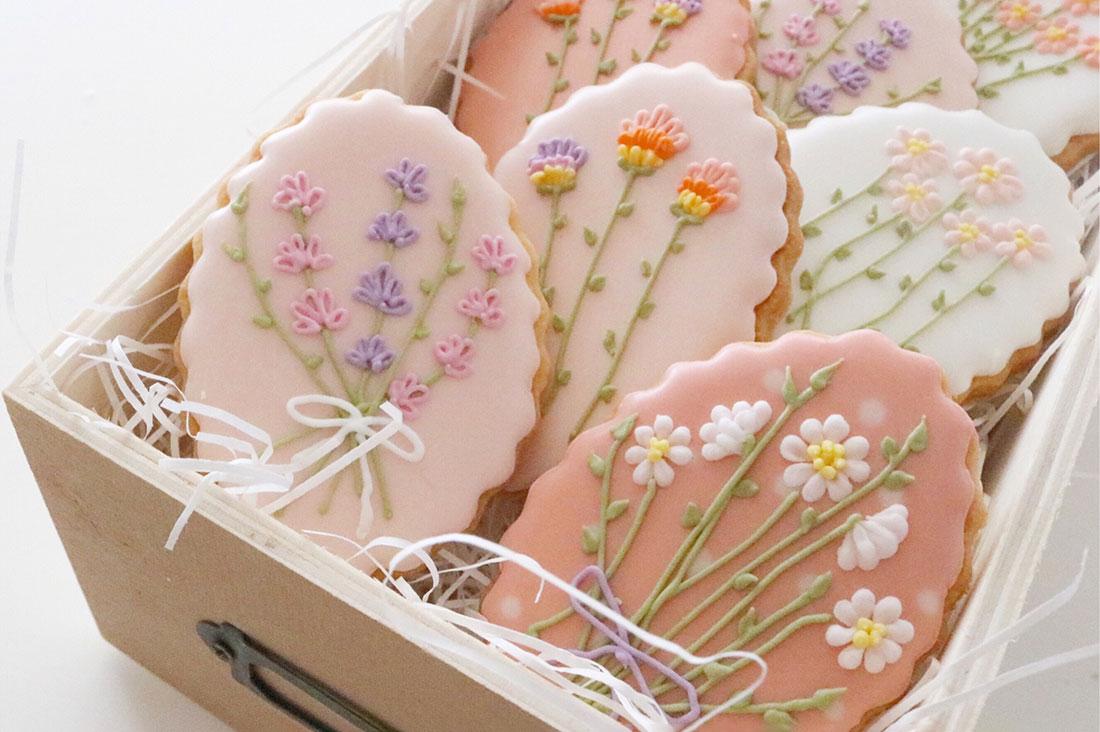 littlesugarさんのお花の刺繍クッキーセット