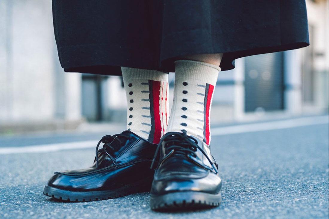 さかもとみなこさんのひとふで靴下