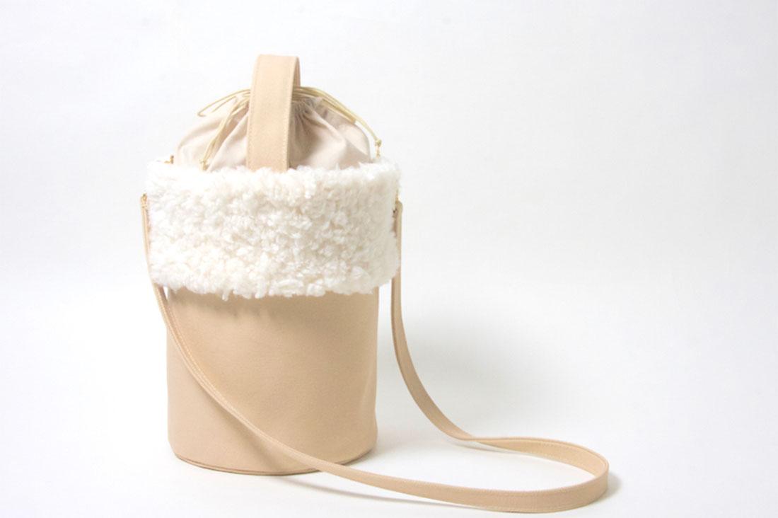 lalaclapさんのファーのバケツバッグ