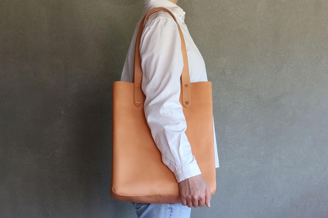 KEESEさんのレザートートバッグ