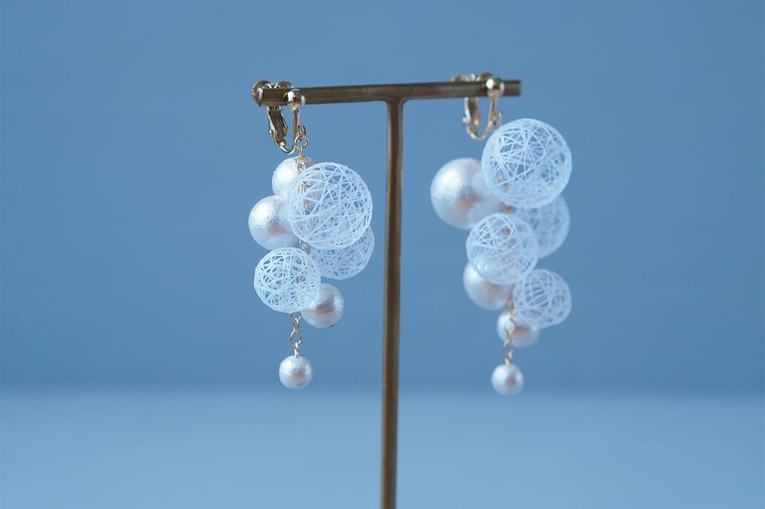 ひらり the airy jewelryさんの糸玉bubbleイヤリング