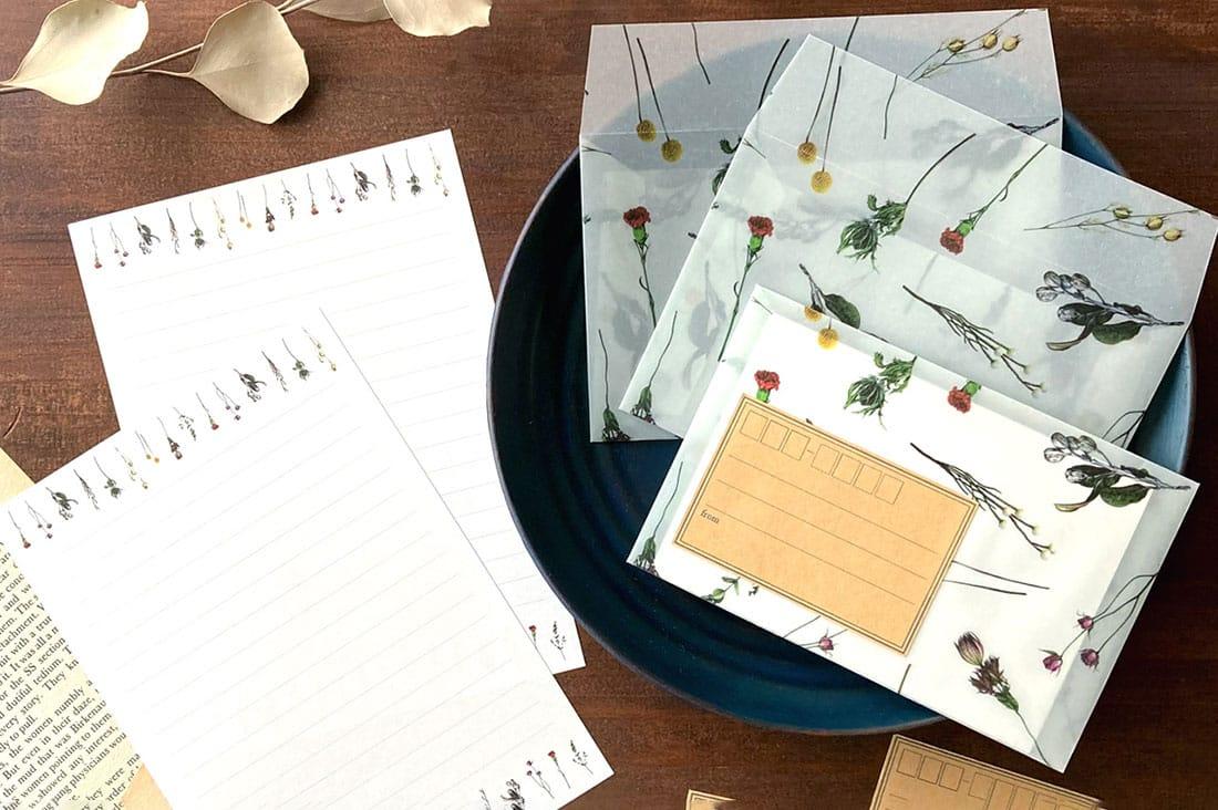 yura2chicuさんのドライフラワー柄のレターセット