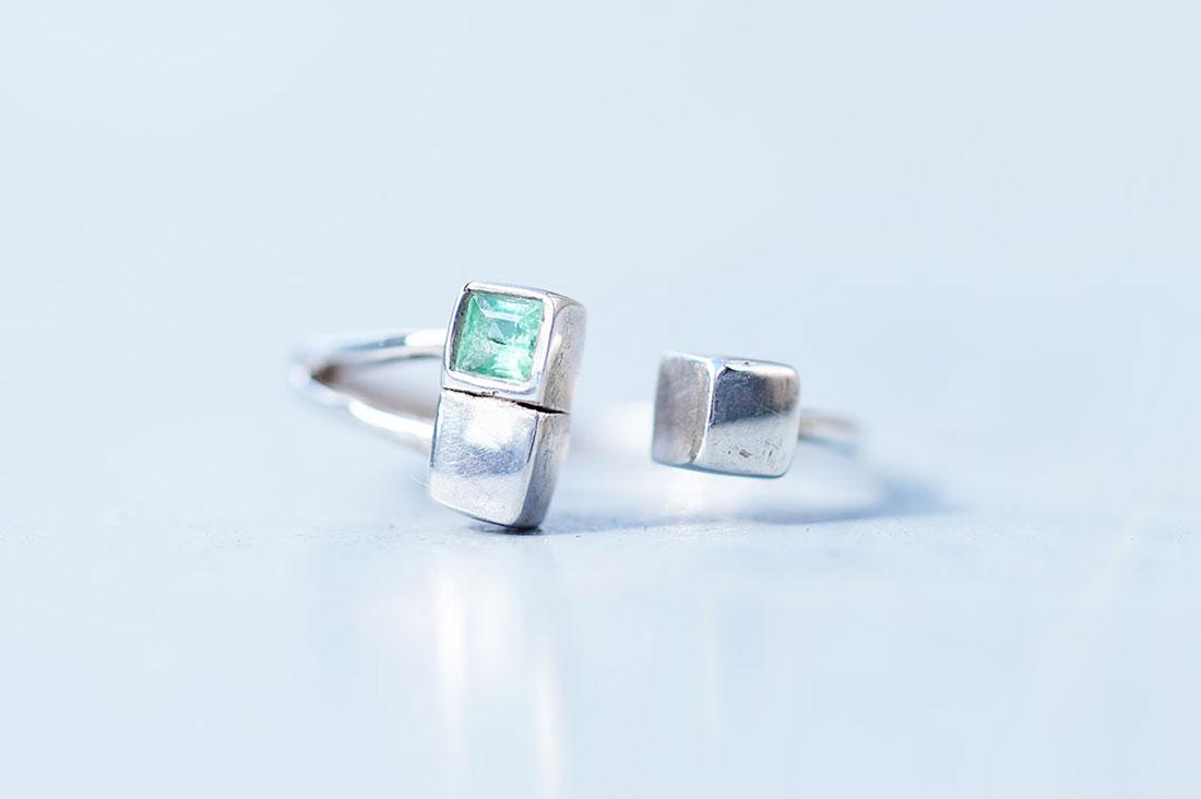 maica jewelryさんのエメラルドのシルバーデザインリング