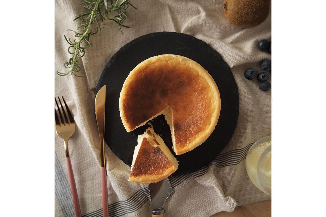 パティスリーベルさんのとけだすバスクチーズケーキ