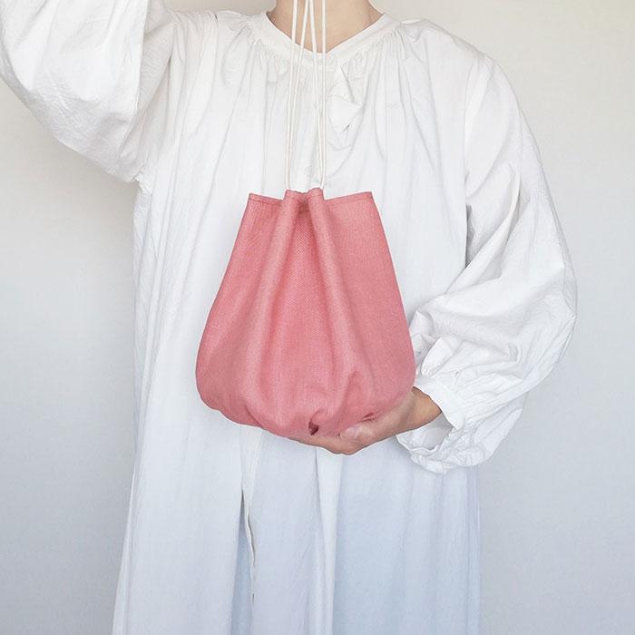 itotoiroさんのリネンギャザー巾着バッグ