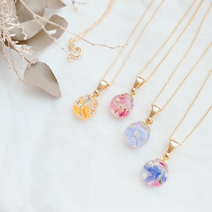 Markiさんのfin flower necklace