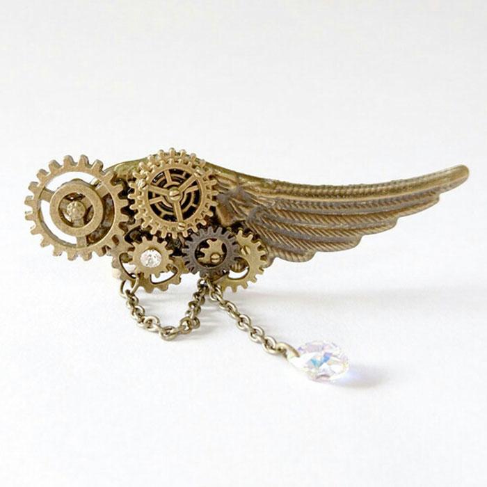 atelierk-rccさんの翼と歯車のイヤーカフ
