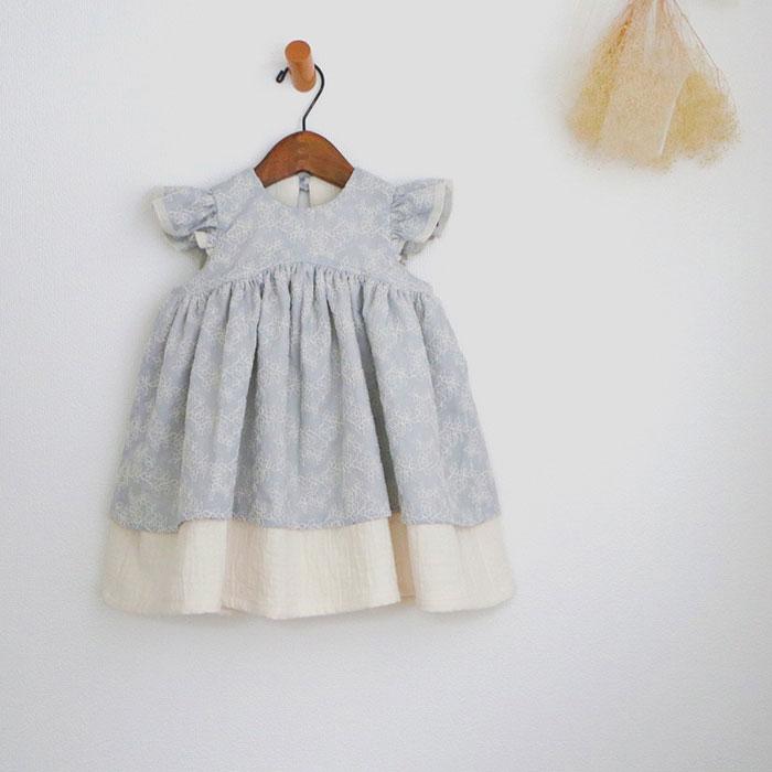 Lita-grandirさんの花刺繍のふんわりワンピース