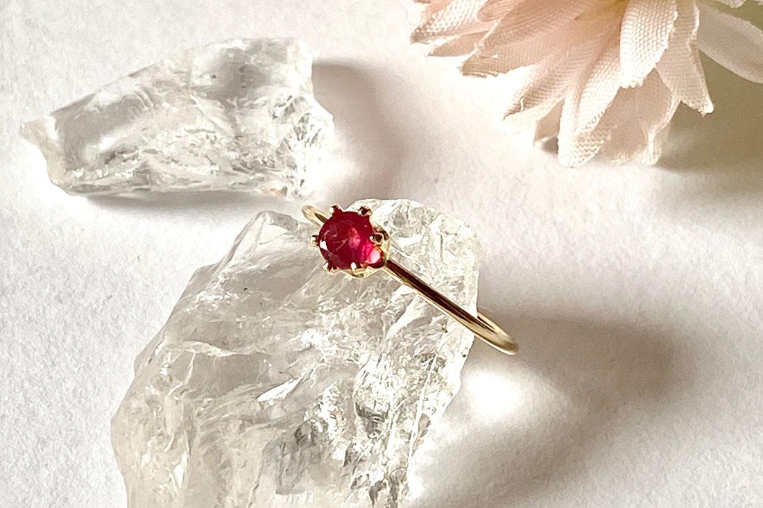 トゥッティ フルッティさんの宝石質ルビーの指輪