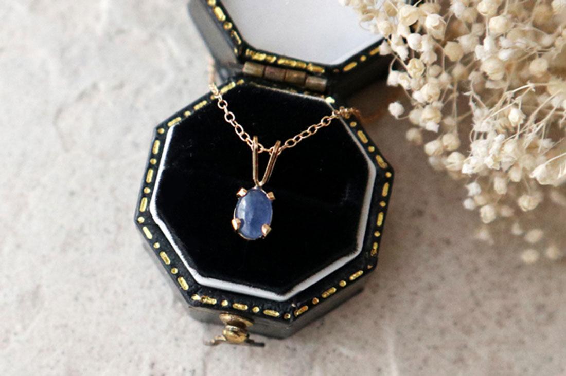 mignonsさんのアフリカ産宝石質ブルーサファイアの一粒ネックレス