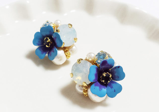 blue flower pierce