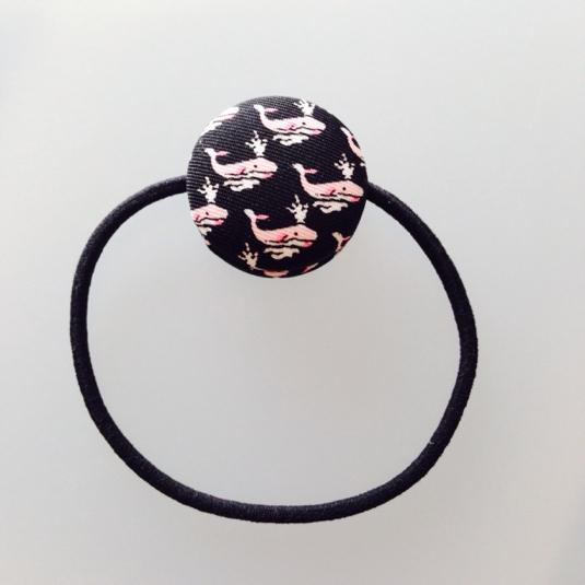 【ピンクのクジラ】マカロンのようなくるみボタンヘアゴム