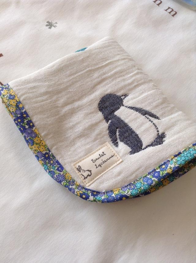 6重 国産ガーゼのふわふわハンカチ(ペンギン2)