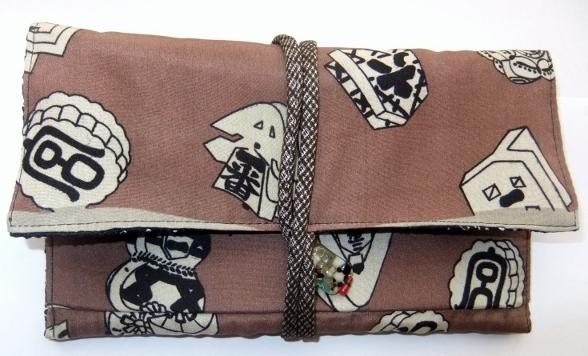 着物リメイク 羽織の裏地で作った和風財布 729