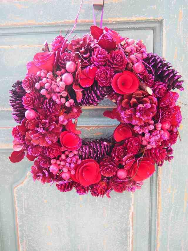 ピンク一色がラブリーなクリスマスリース