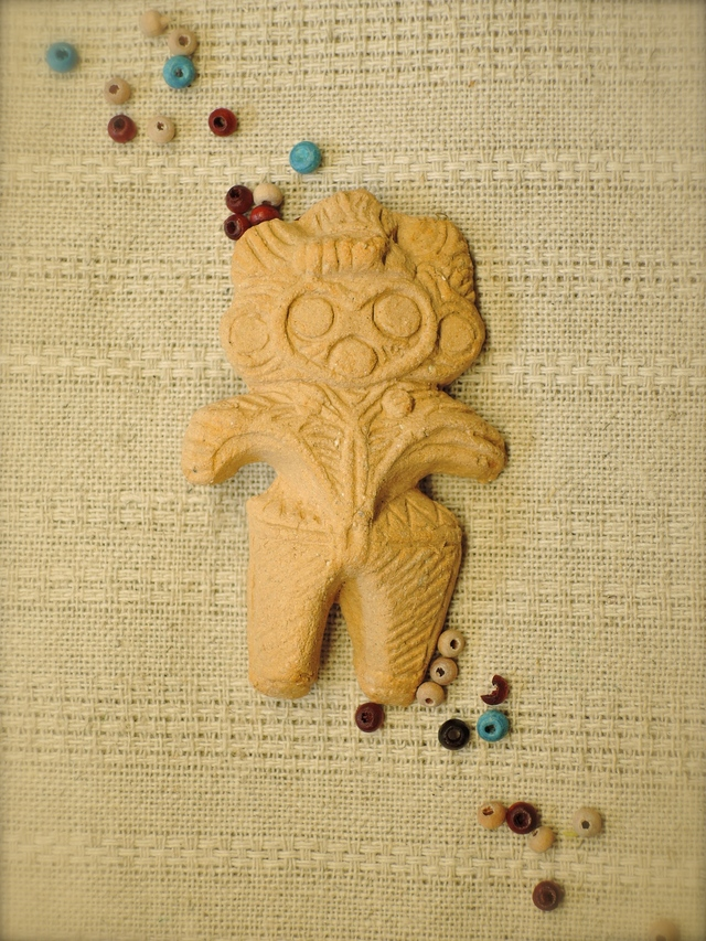 土偶ブローチ(みみずく):小麦色