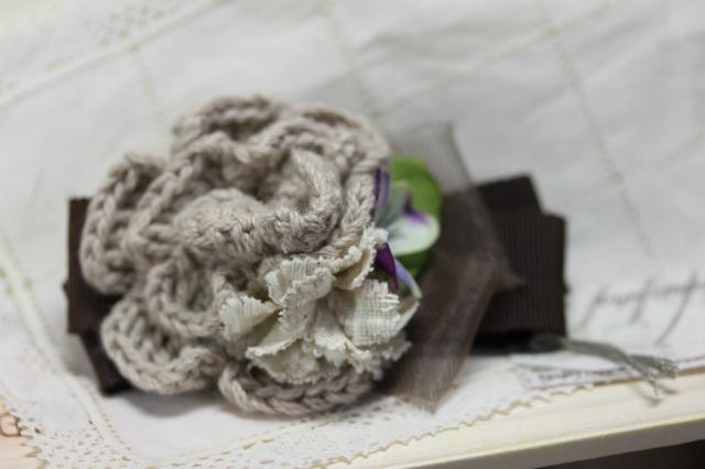 手編みのお花と布花のバレッタ・ブラウン