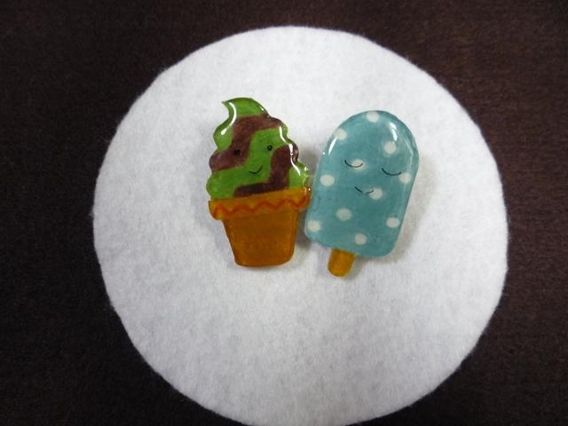 アイスクリームのブローチ