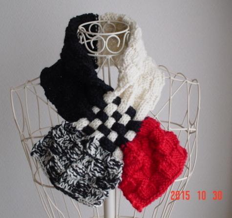 ☆彡ダミエ風市松模様編み&braid編みのCowl(black&redのバイカラー)