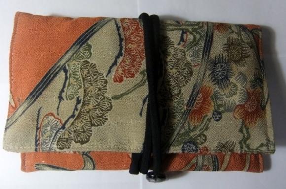着物リメイク 縮緬の着物で作った和風財布 746