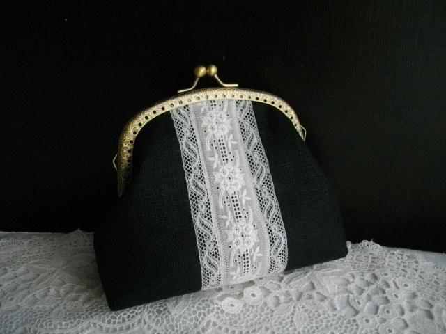 アンティーク手刺繍レース&黒リネンがま口アーチ型