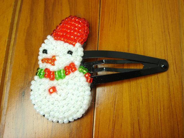 ビーズ刺繍のクリスマスヘアピン(ゆきだるま)