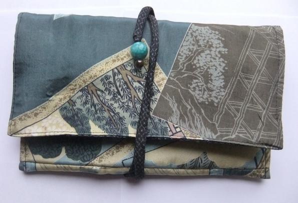着物リメイク 羽織の裏地で作った和風財布 757