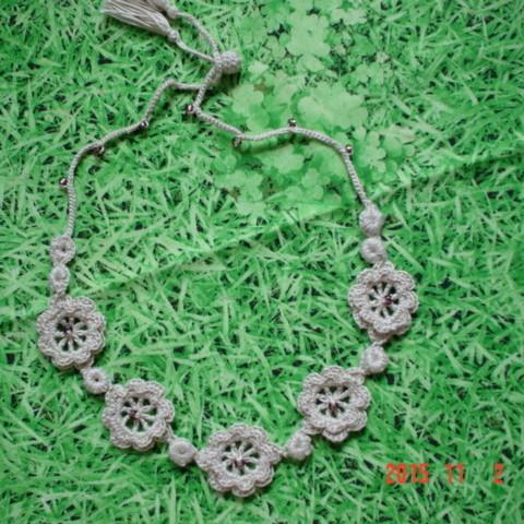 デイジーの花と蕾レース編みのneckaccessory