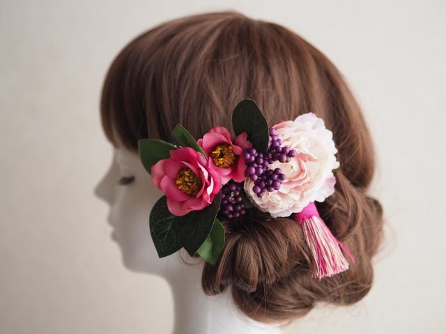タッセルが揺れるお花のヘアコーム:桃色椿?和装にも