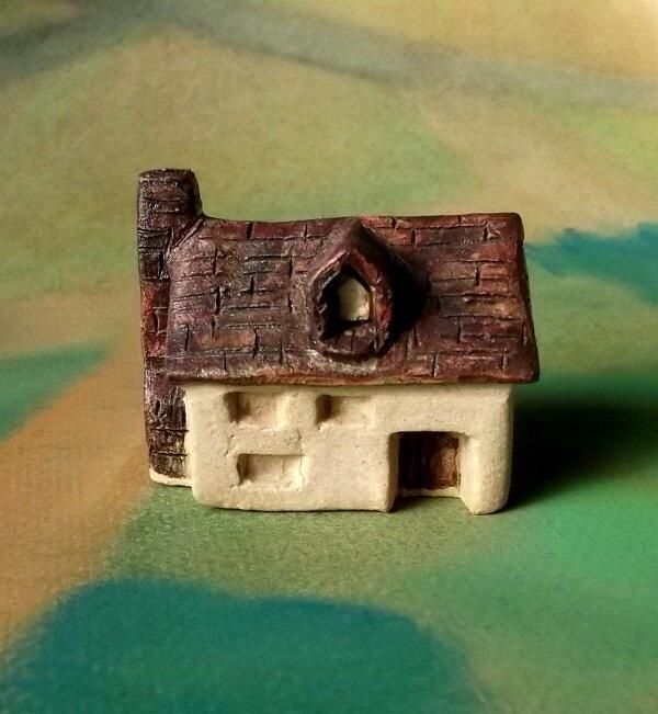 陶の家-大きな煙突のある家