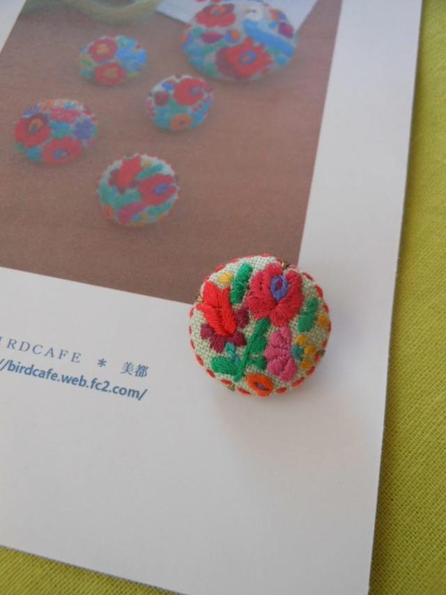 お花刺繍ボタン B
