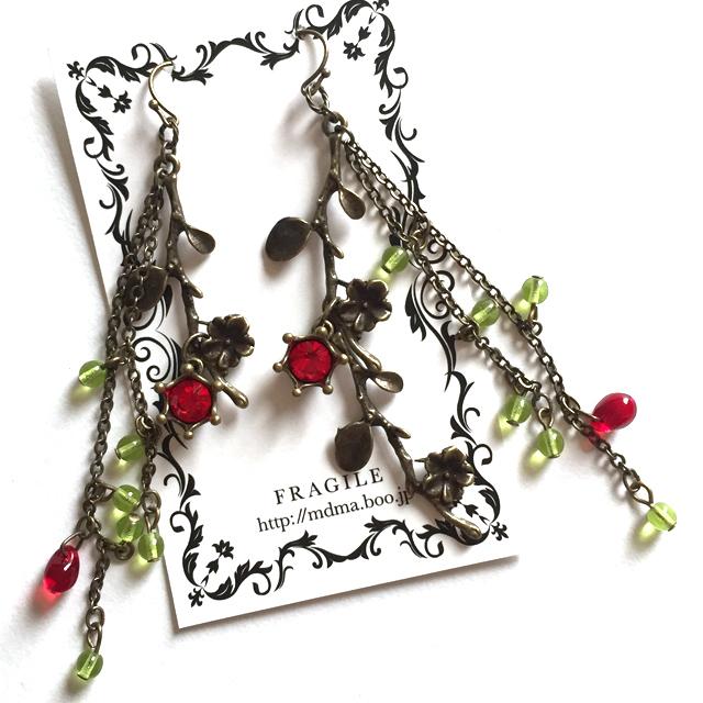 小枝とお花のロングピアス