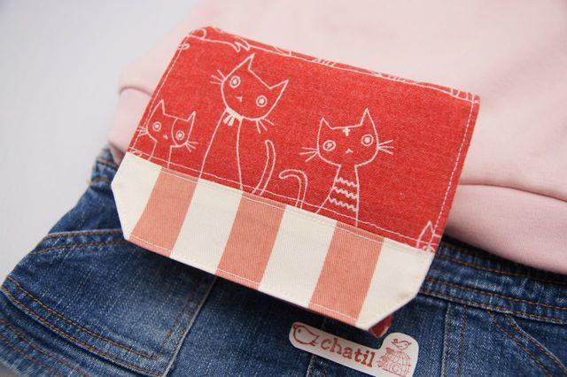 移動ポケット ぽかぽかレッドのネコちゃん ピンクストライプ