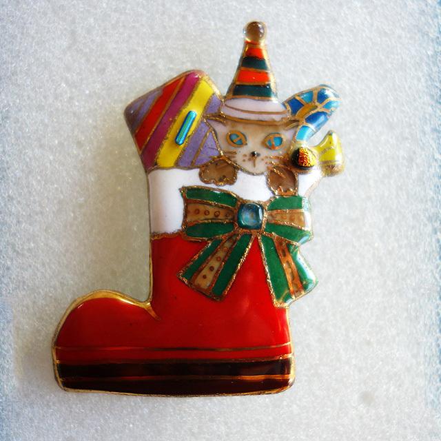 七宝焼ブローチ クリスマスのプレゼントブーツ