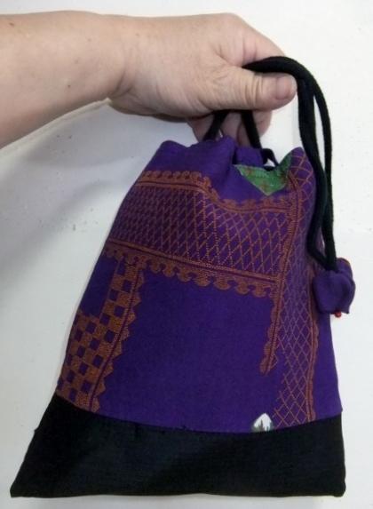 着物リメイク 縮緬の着物で作った信玄袋 787