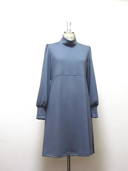 上質ウール(カシミア混紡)☆Aラインハイネックドレス